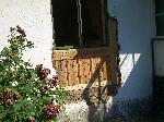 Träpliggar som underlag för kalkputs